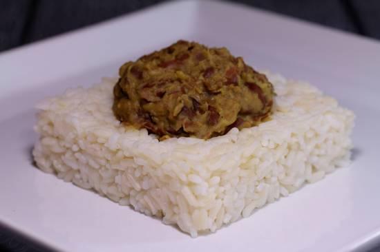 Рис с соусом из фасоли