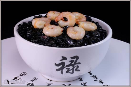 Черный рис с морепродуктами (мультиварка Brand 701)