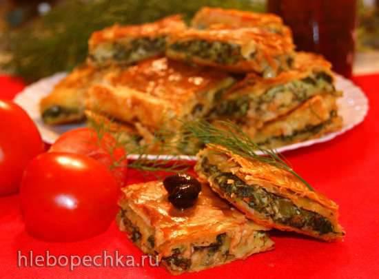 Летний пирог со шпинатом из слоеного теста (σπανακόπιτα)