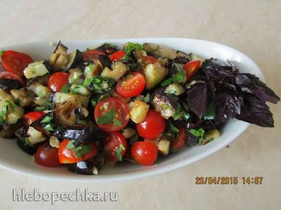 Салат из жаренных баклажан и помидоров