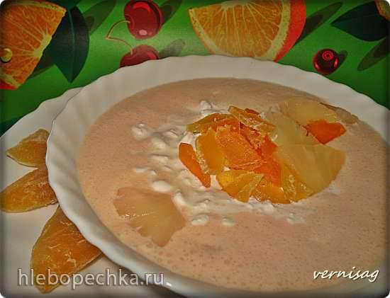 Холодный суп на кефире с курагой и зерненым творогом