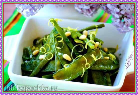 Салат из свежего горошка и молодой фасоли