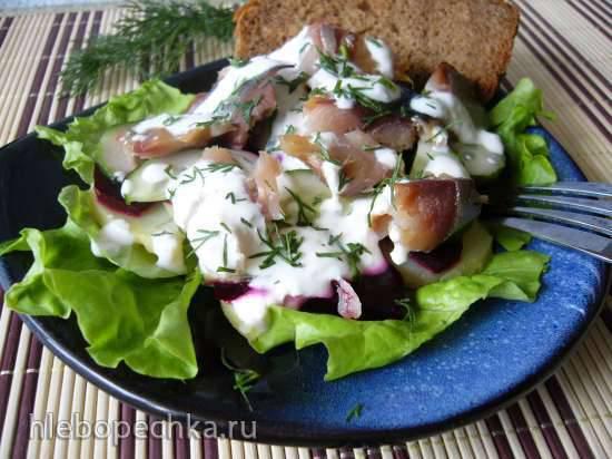 Салат со скумбрией холодного копчения
