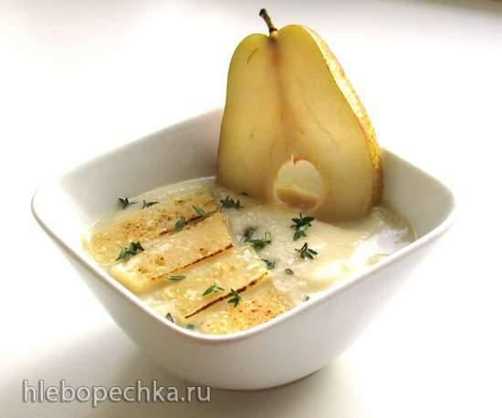 Холодный суп из сельдерея и груши под сырной корочкой