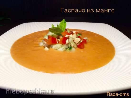 Гаспачо из помидоров, перца и манго