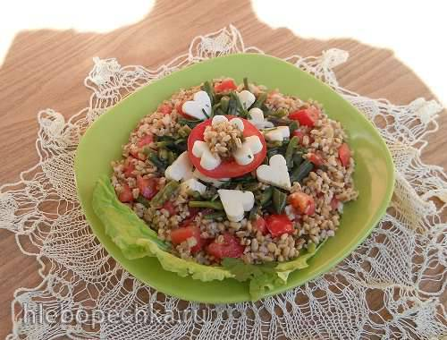 Теплый салат из овсянки с ламинарией и спаржевой фасолью -сердцу в помощь