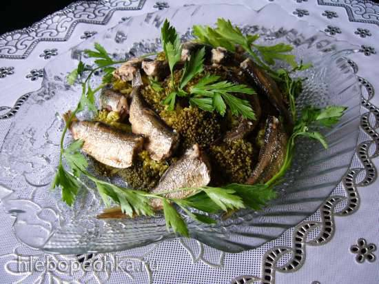 Салат с брокколи и шпротами
