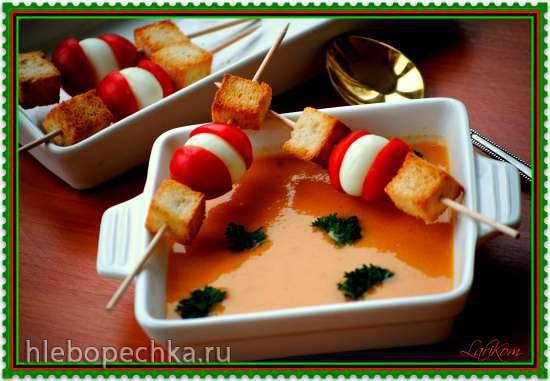 Суп - пюре из кабачков и куриной грудки Холодный суп-пюре из кабачков и помидоров