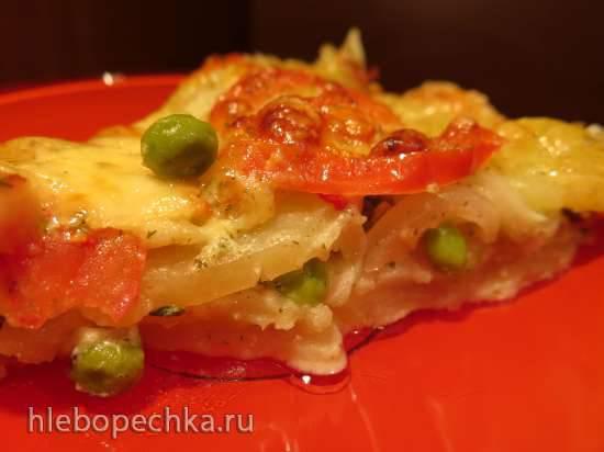 Картофельная запеканка в чесночном соусе, с зелёным горошком и помидорами, в пиццепечке Princess