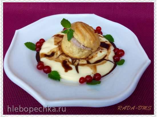 Профитроли с шоколадным мороженым на ванильном креме - безупречный вкус французской классики
