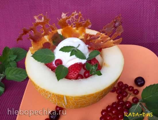 Десерт из дыни с мороженым