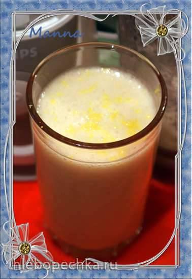 Молочно-дынный коктейль в блендере-суповарке Kromax Endever SkyLine Кокосовый молочный коктейль