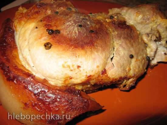 Свиная лопатка, запечённая по-домашнему в мультиварке Stadler Form