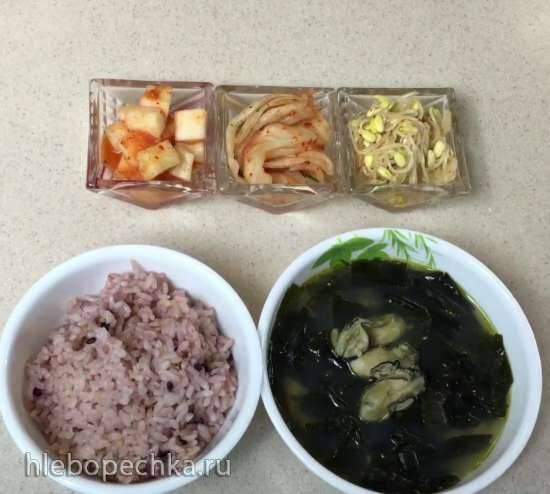 Суп из морской капусты с устрицами