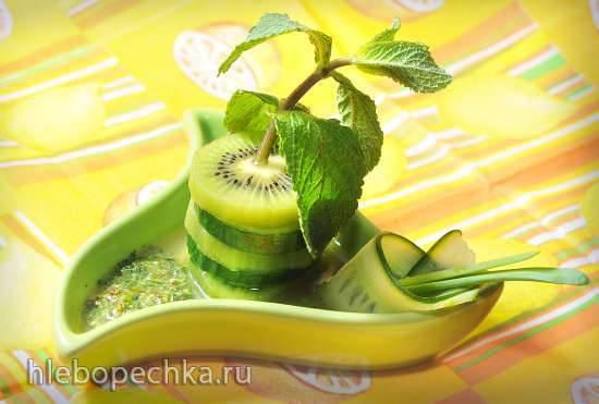 Мятный салат с огурцом и киви