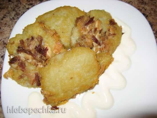 Картофельно-овсяные оладьи с мясным фаршем и творогом