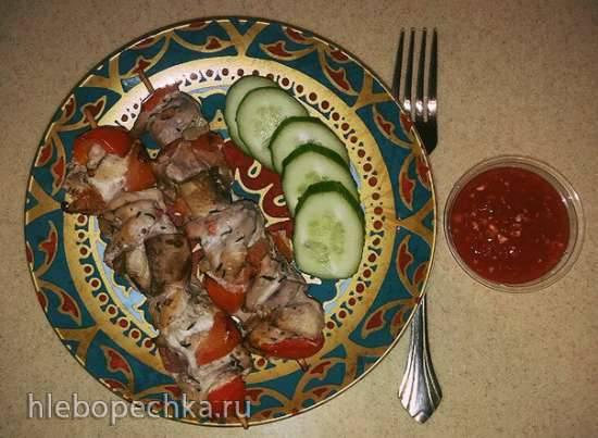 Шашлычки из куриного филе с овощами в красном вине, запеченные в духовке