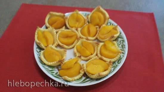 Творожные корзиночки с персиком