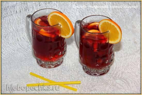 Вишнево–миндальный горячий лимонад