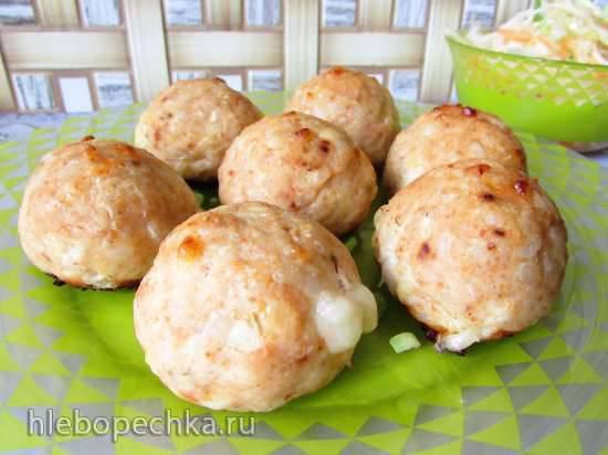 Курино-рисово-сырные шарики с моцареллой (в форме для изготовления шариков) Курино-рисово-сырные шарики с моцареллой (в форме для изготовления шариков)