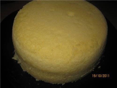 Белый бисквит со сгущенным молоком (можно печь в СВЧ)