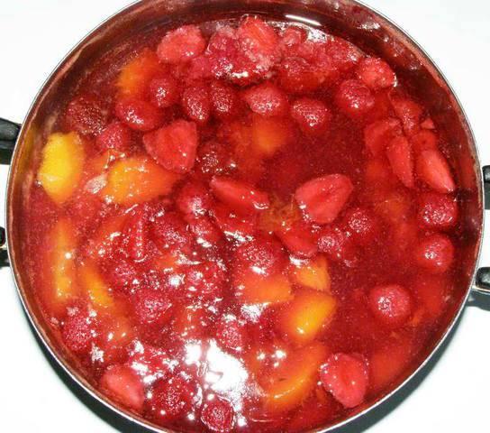 Кисель фруктово-ягодный (очень вкусный)