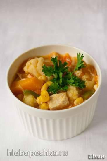 Рагу овощное с куриным филе, тыквой и цветной капустой