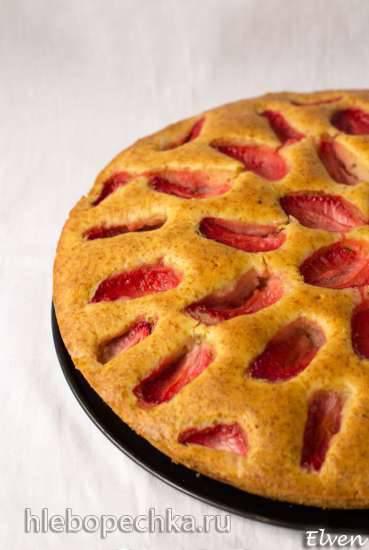 Пирог с клубникой на кукурузной муке