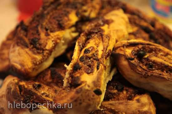 Кишмишиани (рулет с изюмом и грецкими орехами) Кишмишиани (рулет с изюмом и грецкими орехами)