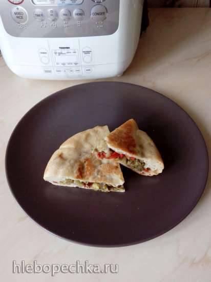 Пирог с брокколи, сладким перцем и зеленым горошком (мультиварка Toshiba RS-18NMFR)