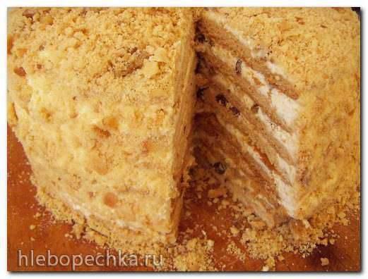 Медовый торт с грецкими орехами, изюмом и лимоном Медовый торт с грецкими орехами, изюмом и лимоном