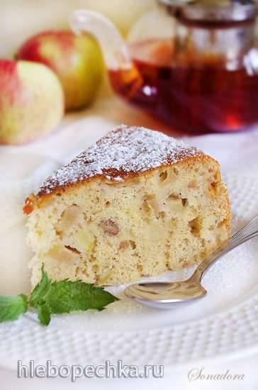 Шарлотка медово-ореховая