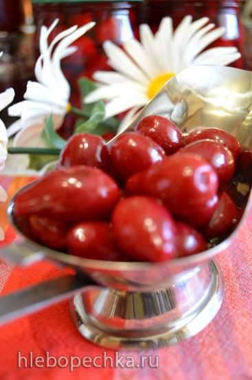 Ягоды кизила в маринаде
