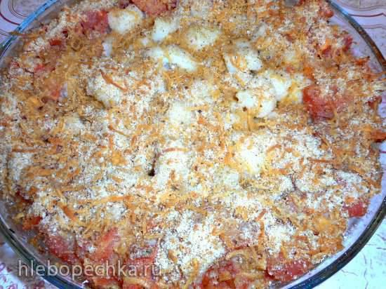 Цветная капуста, запеченная с сыром и помидорами