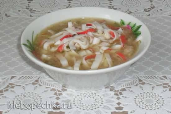 Суп из рыбных консервов с крабовой лапшой Суп из рыбных консервов с крабовой лапшой