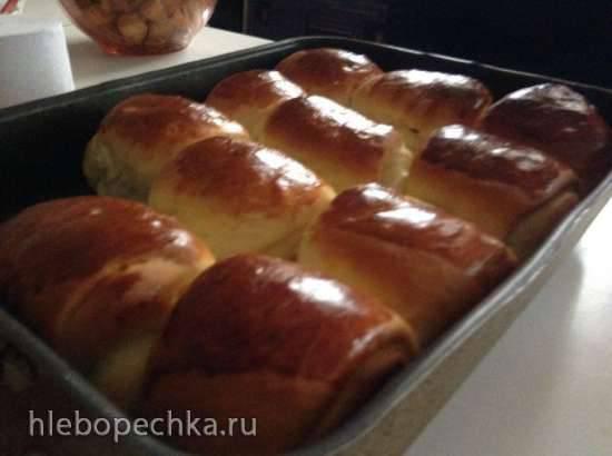 Ванильные булочки роллы с изюмом