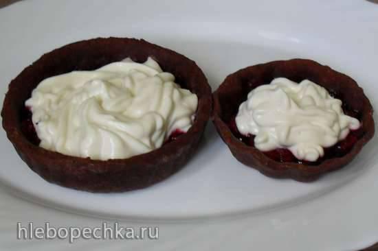 Шоколадные тарталетки с вишней в желе и творожным кремом (в пиццепечке )