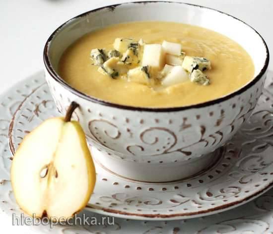 Суп-пюре из фенхеля, сельдерея, тыквы и груши с голубым сыром