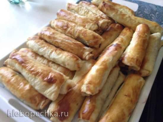 Слоенные мясные пирожки