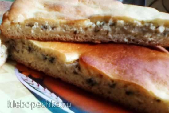 Дрожжевой пирог с сыром и творогом на сковородеДрожжевой пирог с сыром и творогом на сковороде