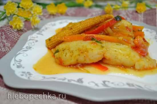 Тажин с белой рыбой под красным соусом, с солеными лимонами Тажин с белой рыбой под красным соусом, с солеными лимонами