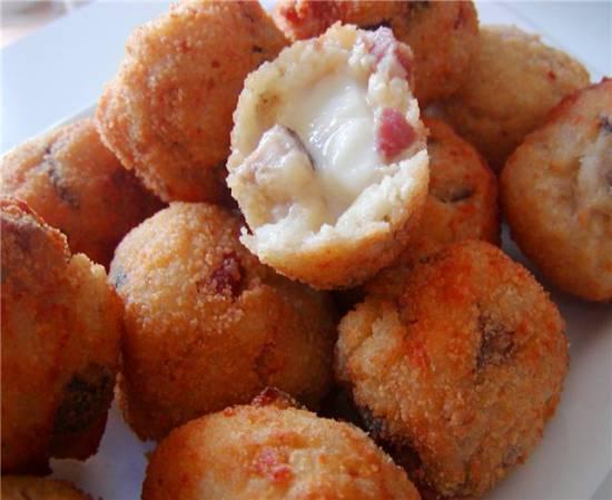 Рисовые шарики с моццареллой «Аранчини»
