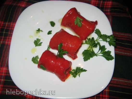 Рулетики из печеного болгарского перца с творожным сыром