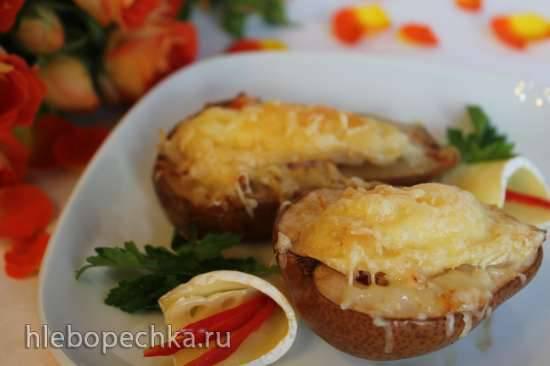 Груша, запеченная с крабом и сыром