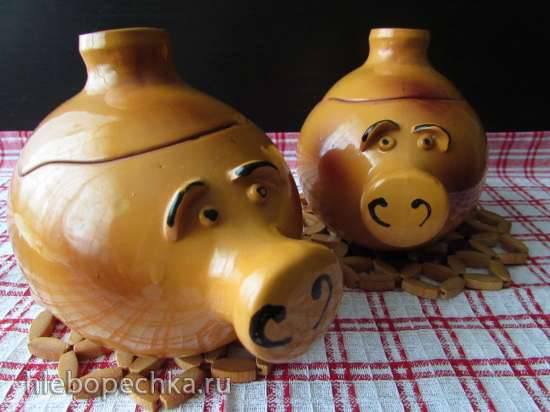 Свинина, запечённая с репой и квашеной капустой в горшочках Свинина, запечённая с репой и квашеной капустой в горшочках