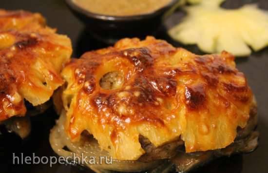Филе индейки, запеченное под ананасами в соусе из киви Филе индейки, запеченное под ананасами в соусе из киви