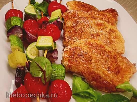 Телячьи отбивные с овощными шашлычками Телячьи отбивные с овощными шашлычками
