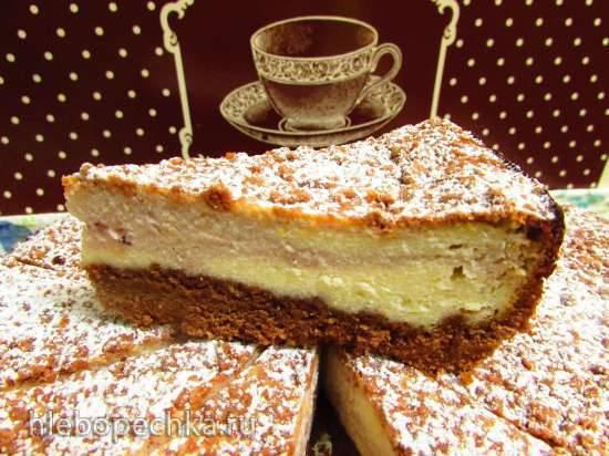 Песочно-шоколадный пирог с творожно-малиновой начинкойПесочно-шоколадный пирог с творожно-малиновой начинкой