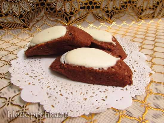 Орехово-шоколадное печенье с глазурью