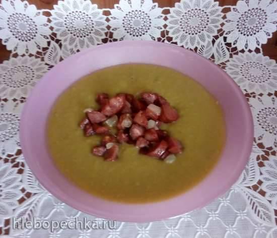 Русский суп-пюре из зелёного горошка